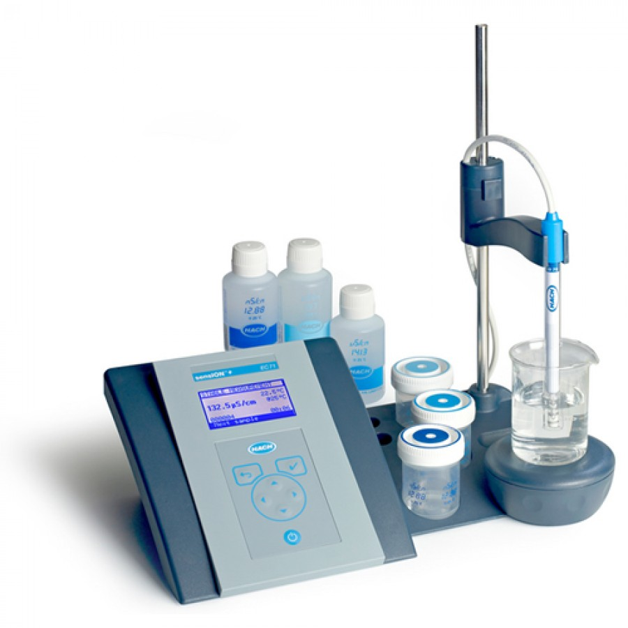 HACH sensION+ EC7 (LPV3170.97.0002) Lab Conductivity Benchtop Meter Kit with 5070 Conductivity Cell