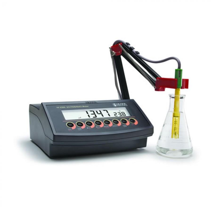 HANNA HI2300 Autoranging EC/TDS/Salinity Benchtop Meter