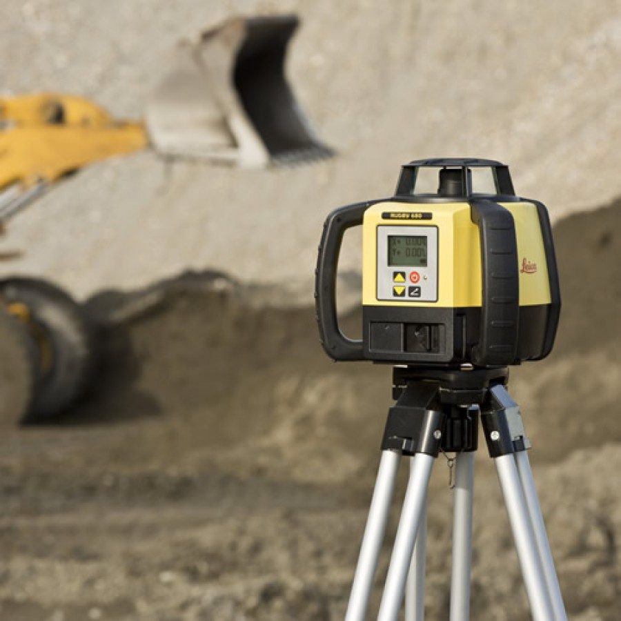 Leica Rugby 680 Dual Grade Laser Level With Alkaline